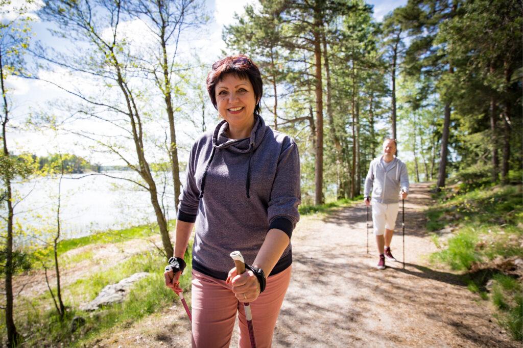 Spacer po lesie wpływa pozytywnie na twoją kondycję